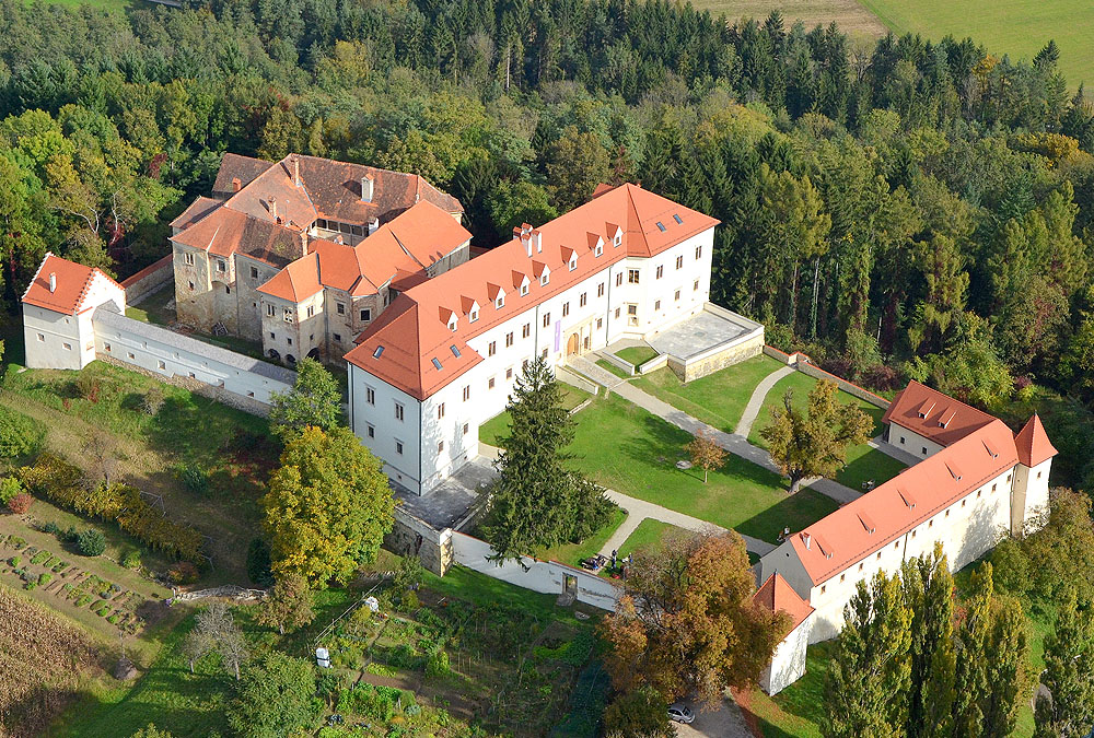 Zakladi, zanimivosti in sladkosti Slovenije